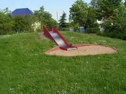 Spielplatz Maxim-Gorki-Straße - Hangrutsche