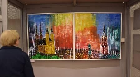 Die Ausstellung zeigt eine bunte Vielfalt an Motiven.