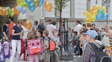 Das Warten hat ein Ende: In die Naumannschule kehrt nach einem Jahr Bauzeit zum Schuljahresbeginn wieder Leben ein.