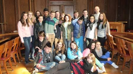 Die französischen Austauschschüler zu Gast im Köthener Ratssaal.
